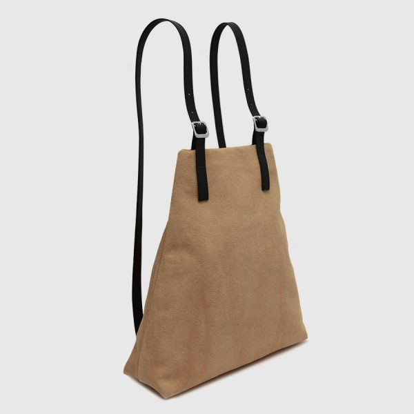 mochila de lona marron