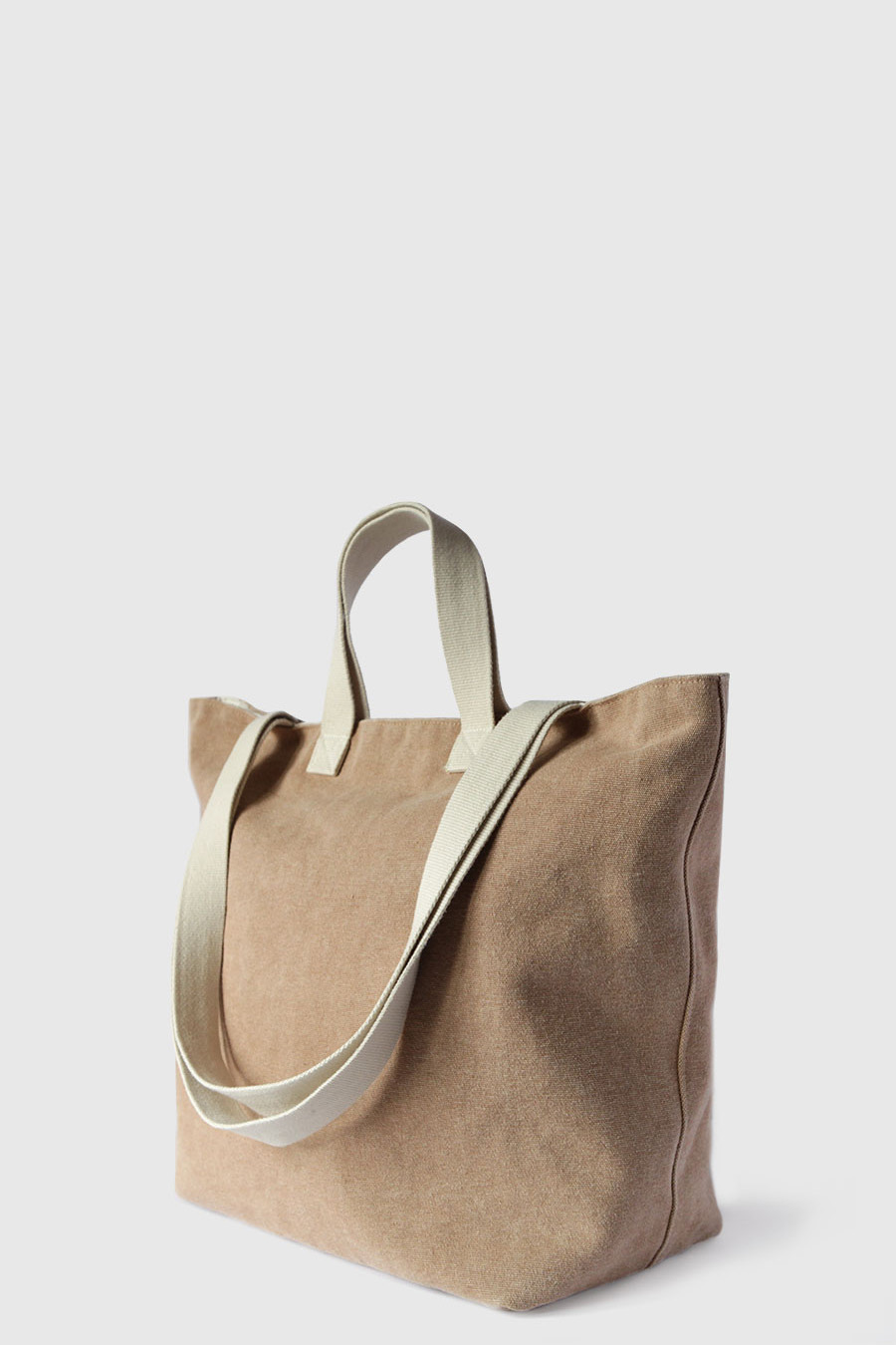 Bolsa grande para ir a la playa impermeable color marron claro hecho en España