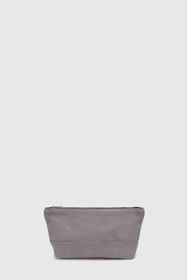 Estuche con cremallera vegano e impermeable color gris hecho en España