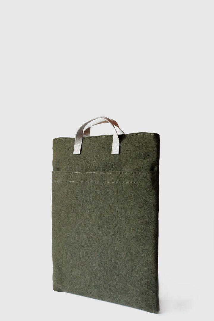 Bolso para portátil color verde oscuro vegano