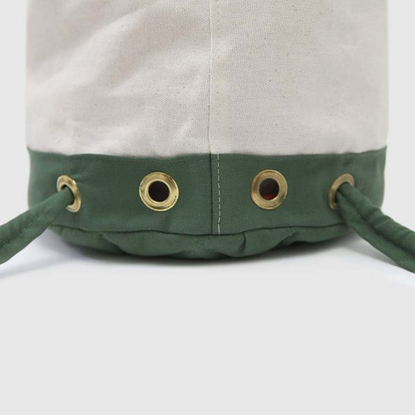 mochila 1994 en color blanco y verde