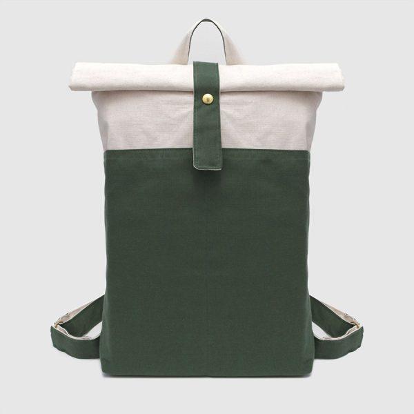 mochila vegana en color verde de lona impermeable