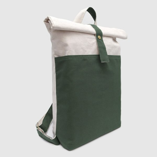 mochila roll-top en color verde