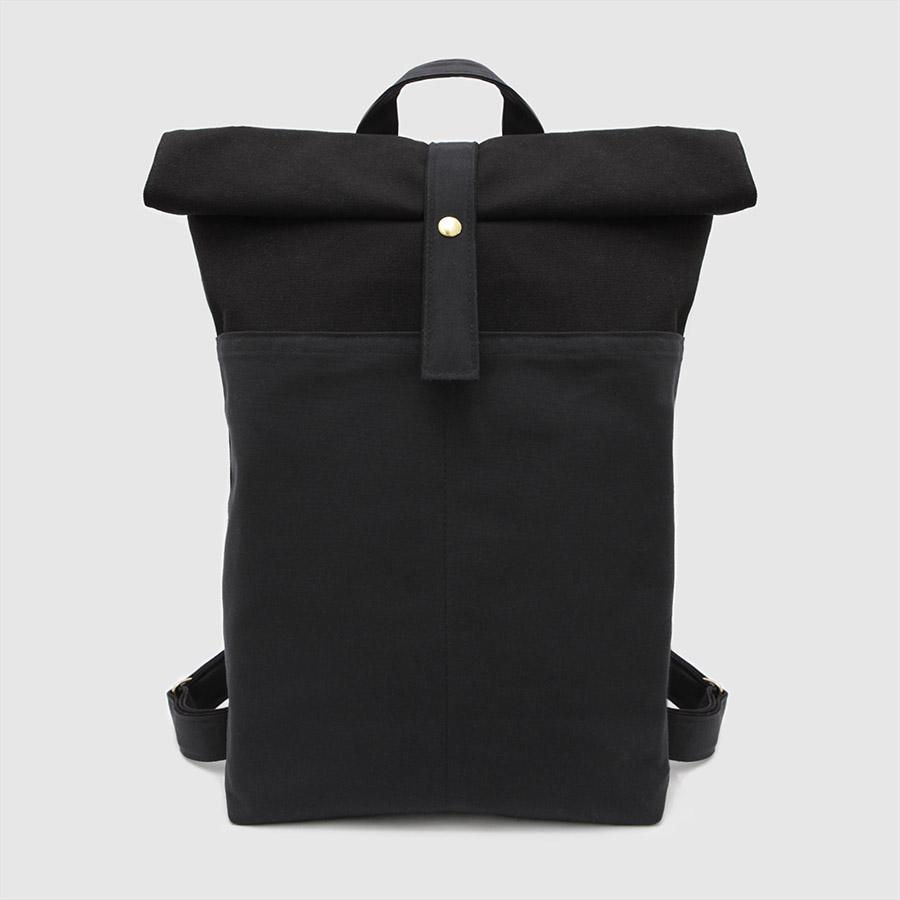 mochila de lona vegana en color negro
