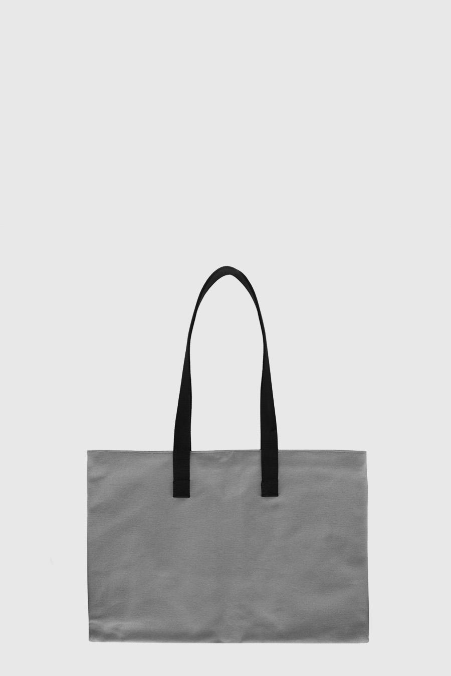 Bolso grande para artista impermeable color gris claro hecho en España