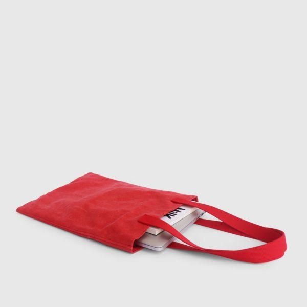 bolso tote en color rojo
