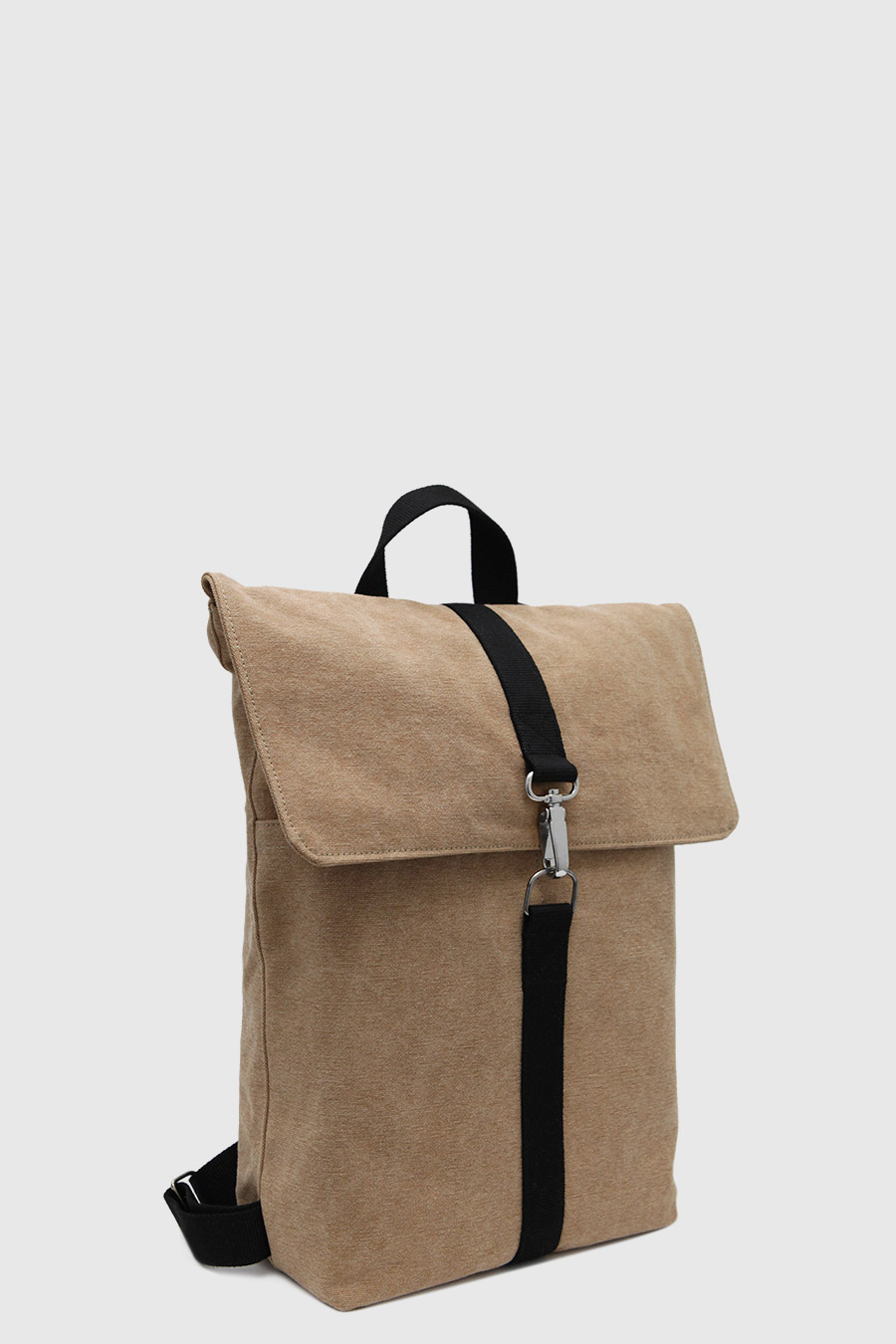 Mochila minimal impermeable urbana color marron claro made in Spain