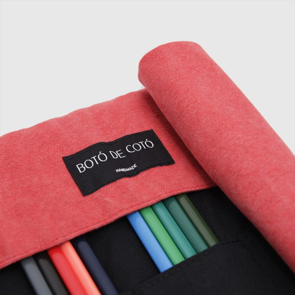 red little rollup case