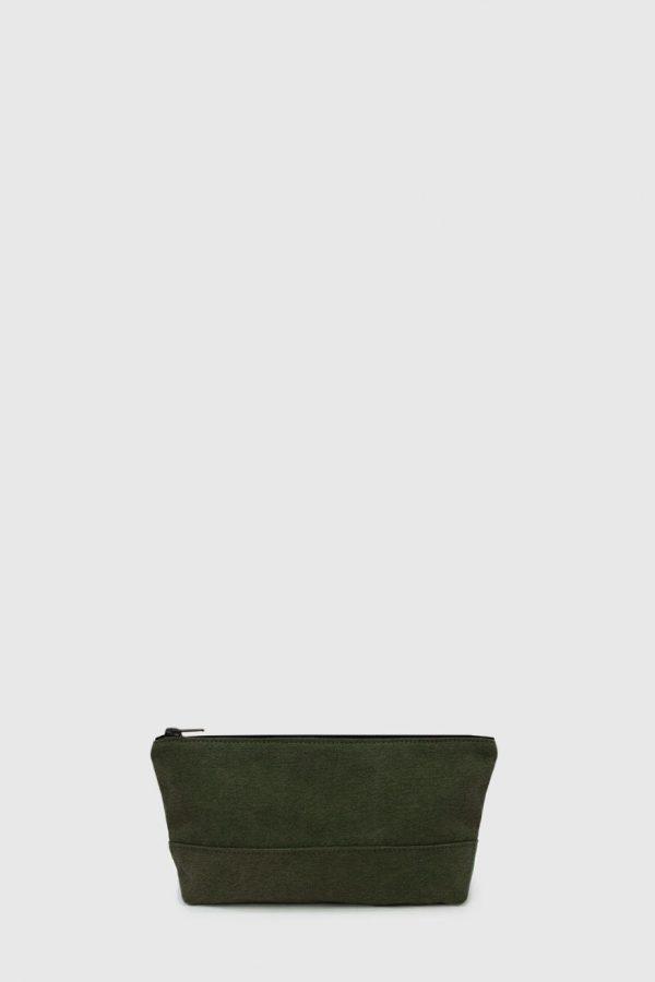 Estuche con cremallera vegano e impermeable color verde oscuro hecho en España